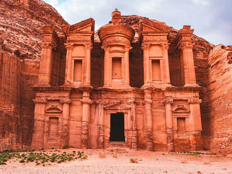 cammino dana petra monastero al deir