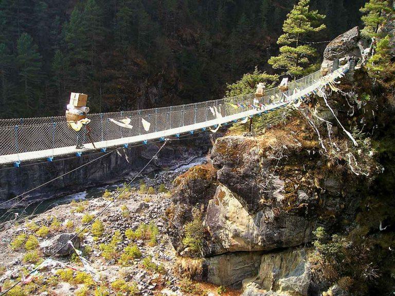 campo base everest ponte sospeso